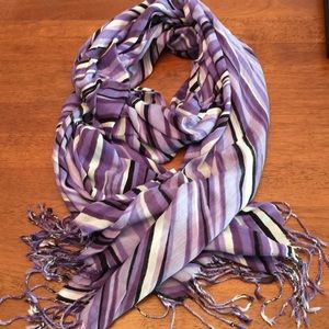 Accessories - NWOT Long Graphic Scarf